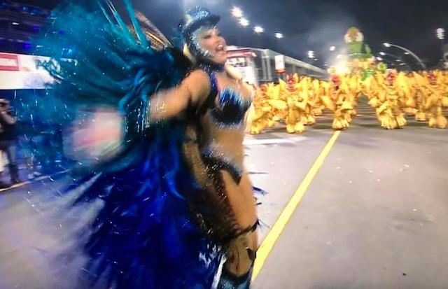 Resultado de imagem para carnaval de São Paulo no dia 9 de fevereiro 2018 sexta- feira Hellen Roche