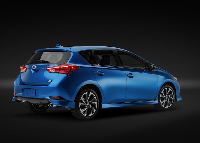 2016 Scion iM rear blue
