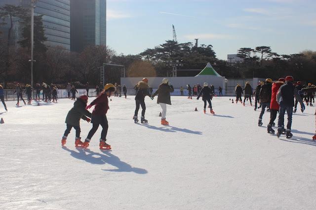 Slide and Glide at Yeouido Hangang Park Ice Skating Rink (한강시민공원 여의도스케이트장)