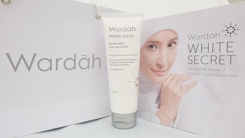 Review Wardah White Secret Facial Wash untuk Kulit Berminyak
