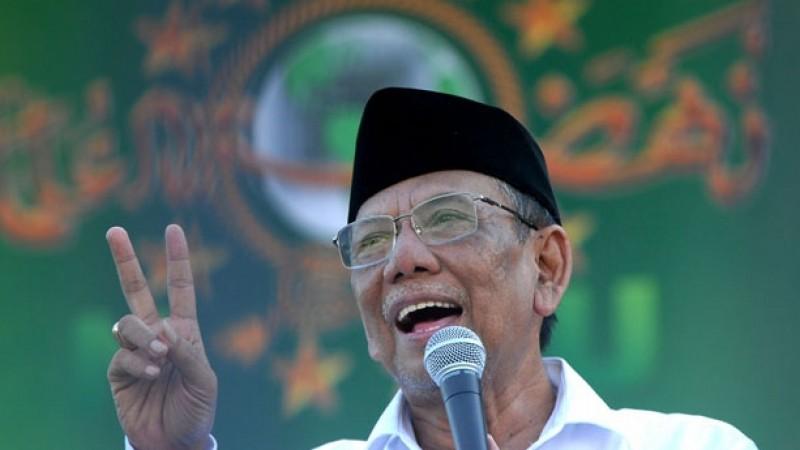 KH Hasyim Muzadi meninggal dunia