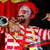 Cidade recebe os Pregadores do Riso, com espetáculos e oficinas gratuitas