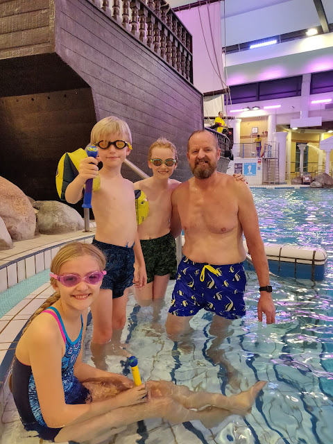 madmumof7's husband and children at Coral Reef Waterworld #ZoggsAtCoralReef