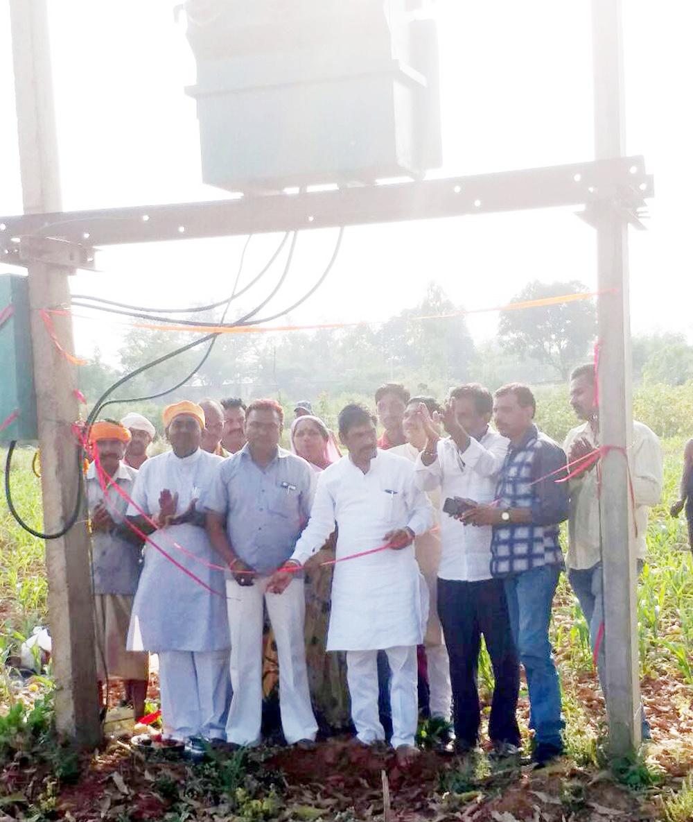 विधायक निधि से 2.65 लाख की विद्युत डीपी का विधायक ने किया शुभारंभ -MLA-DLF-inaugurated-2.65-lakh-electrification-fund-from-MLA