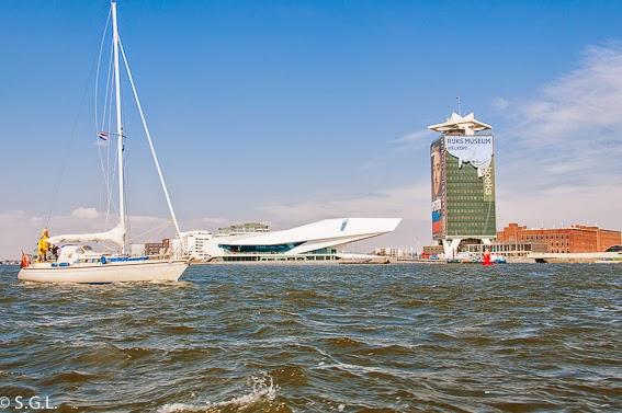 Eye, el museo del cine en amsterdam. Un paseo en barco posr sus canales