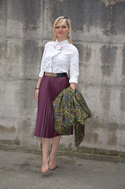 outfit gonna midi plisse come abbinare una gonna a pieghe come abbinare una gonna plissè abbinamenti gonna plissè mariafelicia magno fashion blogger colorblock by felym fashion blog italiani blogger di moda italiane web influencer italiane outfit per le feste natalizie cosa indossare a natale outfit invernali
