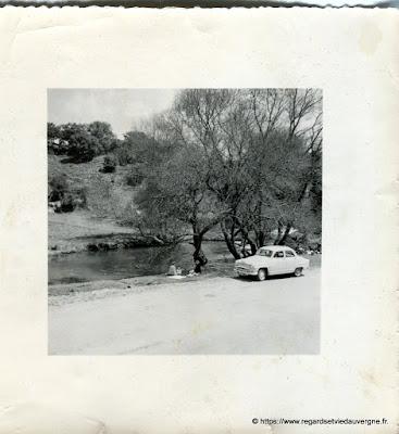 Photo noir et blanc : scène de vie d'hier