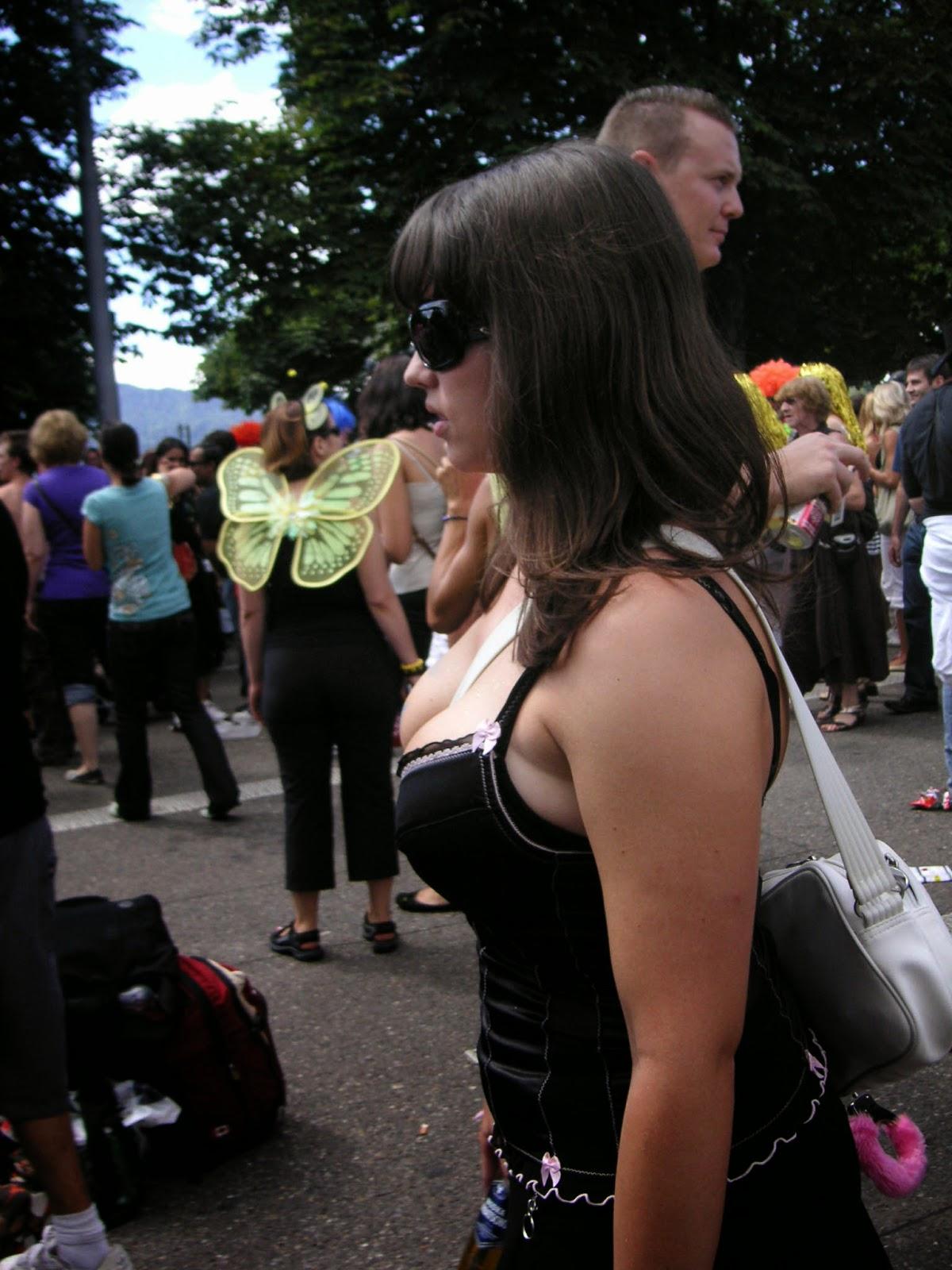 En la calle minifalda ajustada negra de una rica nalgona - 5 10