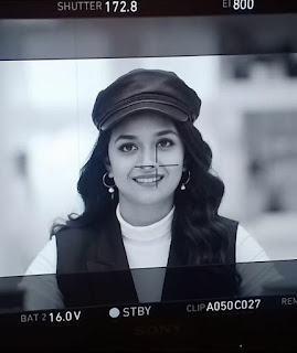 Mana Keerthy Suresh: Keerthy Suresh with Cute and Awesome Smile in Manmadhudu2 Shooting