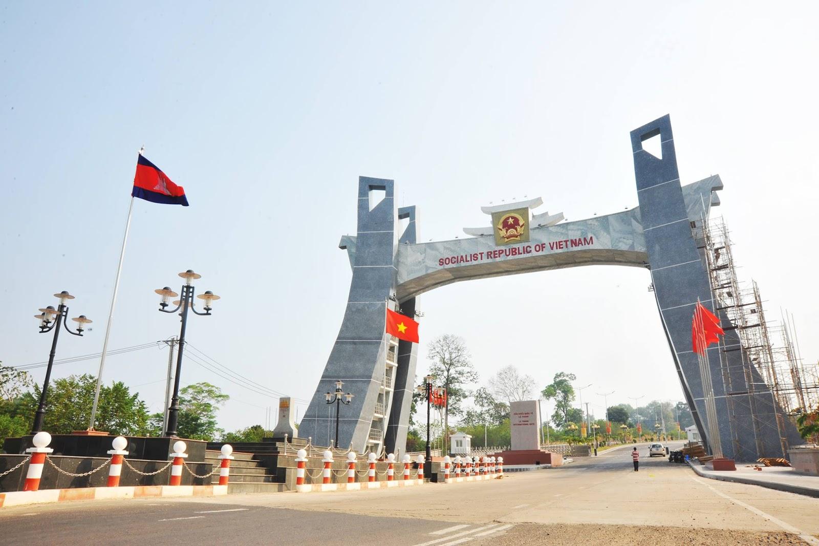 """Quốc môn Cửa khẩu Quốc tế Lệ Thanh khánh thành, điểm check-in lý tưởng """"phải đi"""" ở Gia Lai"""