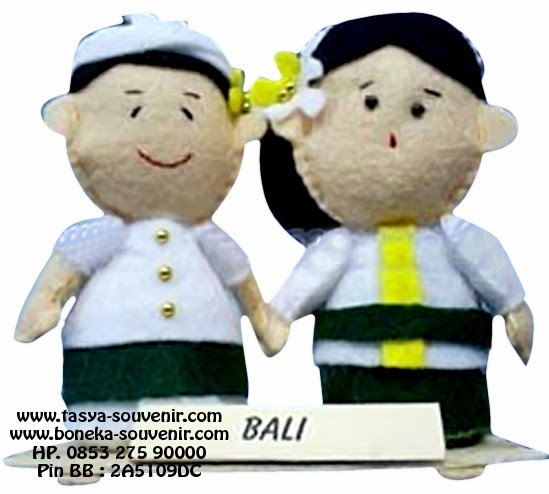 Souvenir Boneka Pengantin Adat Bali