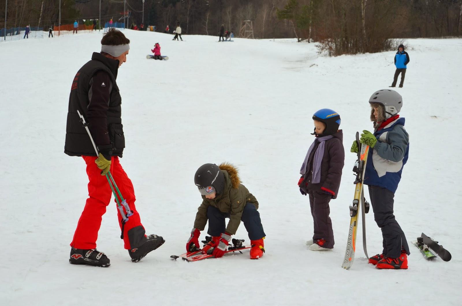ferie z dzieckiem w górach, ferie, góry, zjazd, narty, nauka jazdy na nartach, zima