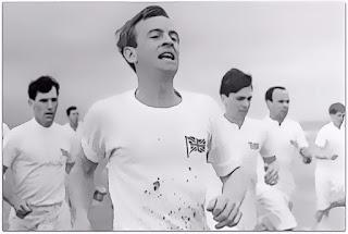 Ian Charleson (1949-1990), na Cena de Abertura do Filme 'Carruagens de Fogo'