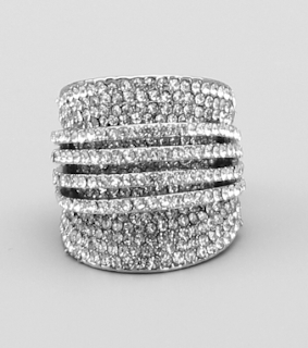 https://luxfashionsense.us/products/3-d-pave-rhinestone-cocktail-ring