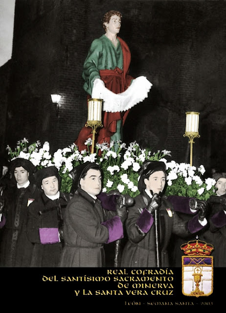 San Juan Evangelista. Cofradía Minerva y Vera Cruz. León. Foto. Arturo García Fernández, 1953. Portada Revista cofradía 2003.