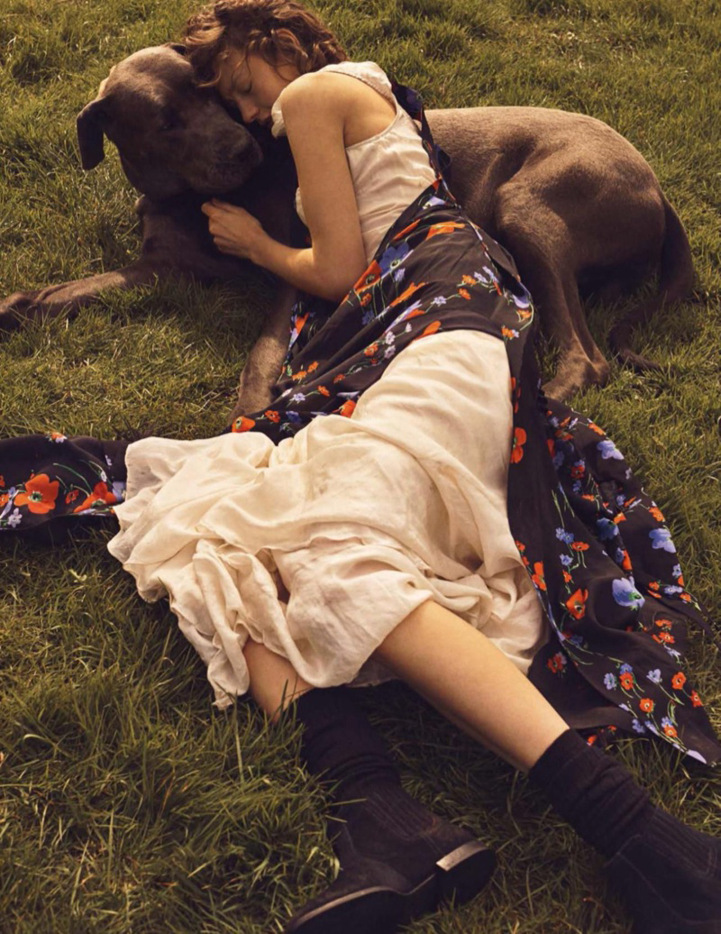 SOPHIA AHRENS POSES IN DREAMY OUTDOOR STYLES FOR VOGUE SPAIN