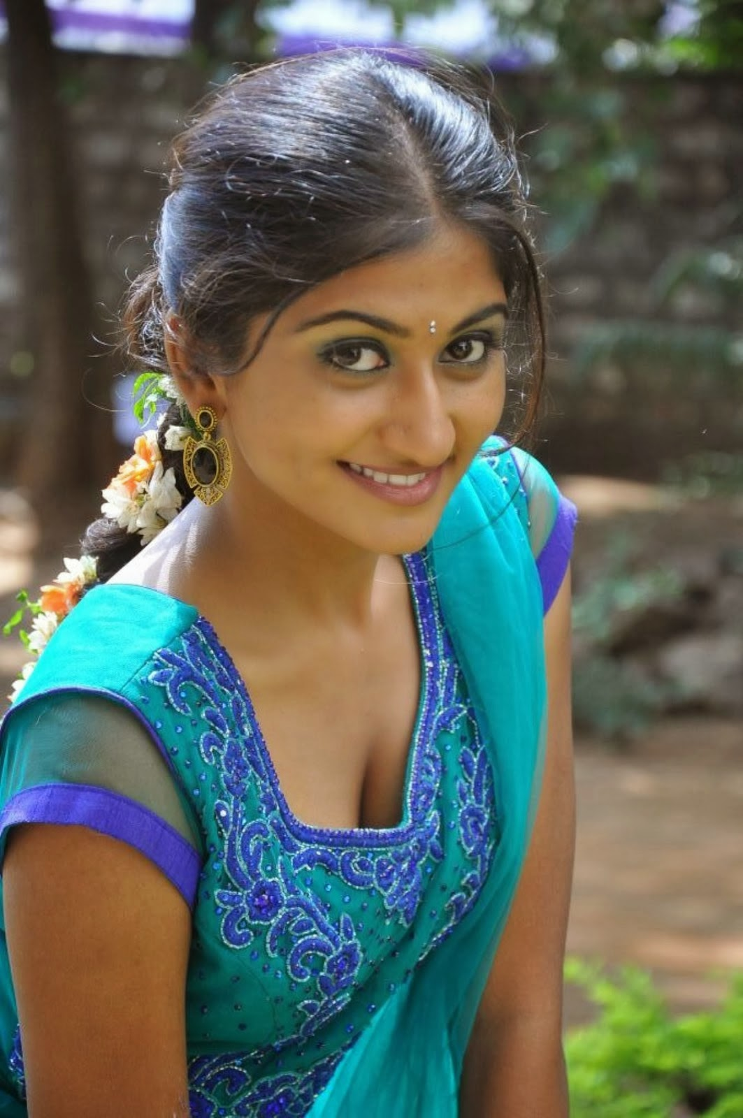 Hot South Indian Actress Navel, Cleavage And Side Boob -4881