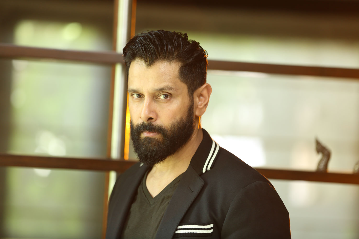 Actor Vikram 20+ Different Types Of Photos & HD Wallpapers