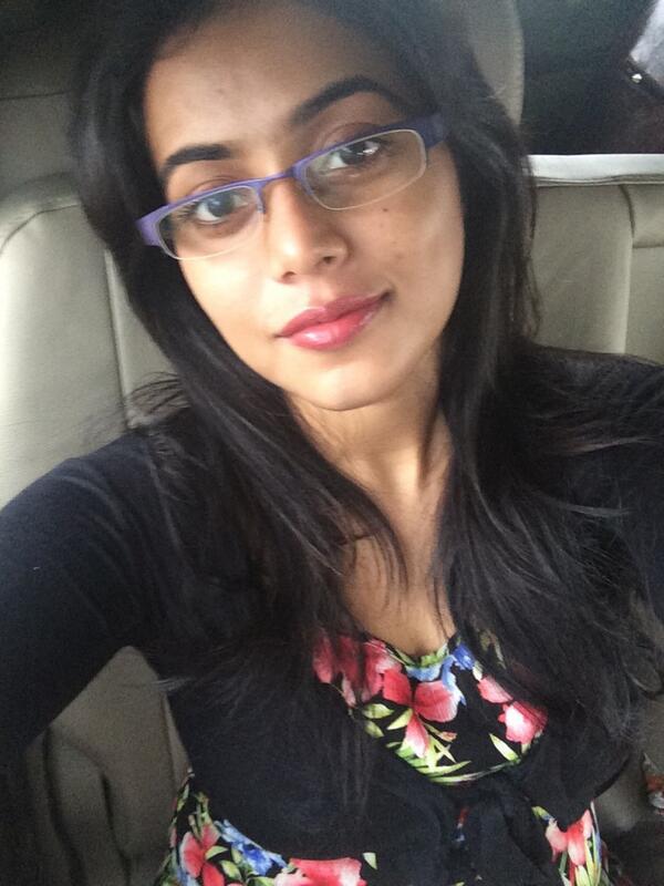 Shamna Kasim Poorna Selfie Photos-5918