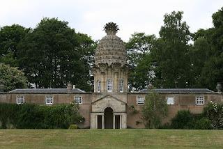 casa del conde dunmore con una piña