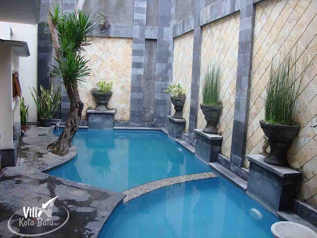Villa Kolam Renang Batu Malang Depan Museum Satwa