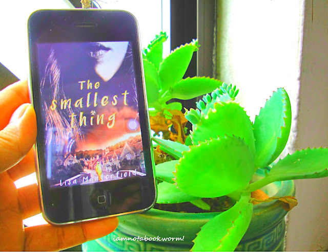 The Smallest Thing by Lisa Manterfield | A Book Review  by iamnotabookworm!