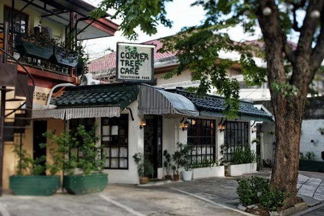 Façade of the Corner Tree Café