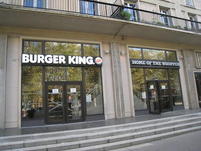 Burger King au Havre : la devanture de la place de l'hôtel de ville est prête