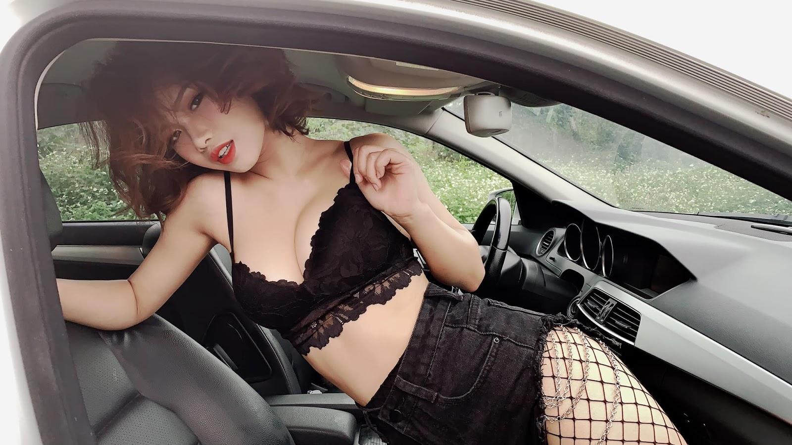 Lên xe em đèo