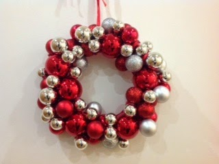 baubles christmas wreath