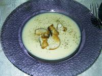 dünya mutfaklarından Fransızların bolca pişirdikleri bir tarif soğan çorbası