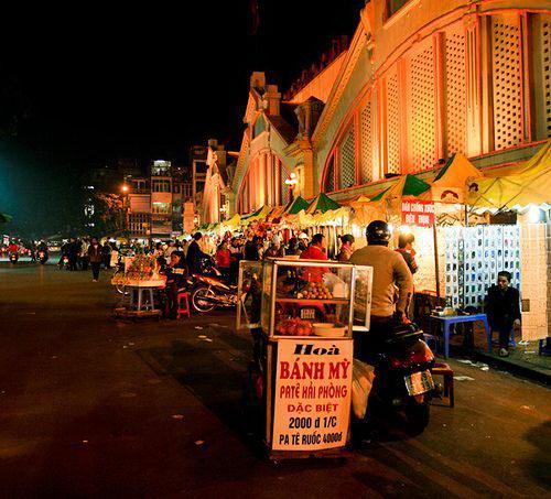 Quà đêm Hà Nội: Nét đặc trưng riêng của thủ đô