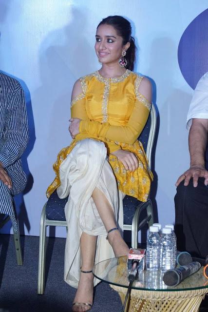 Shraddha Kapoor Stills At Youth Icon Indian Cinema Award Event