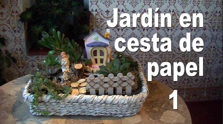 Jardin en cesta de papel de periodico