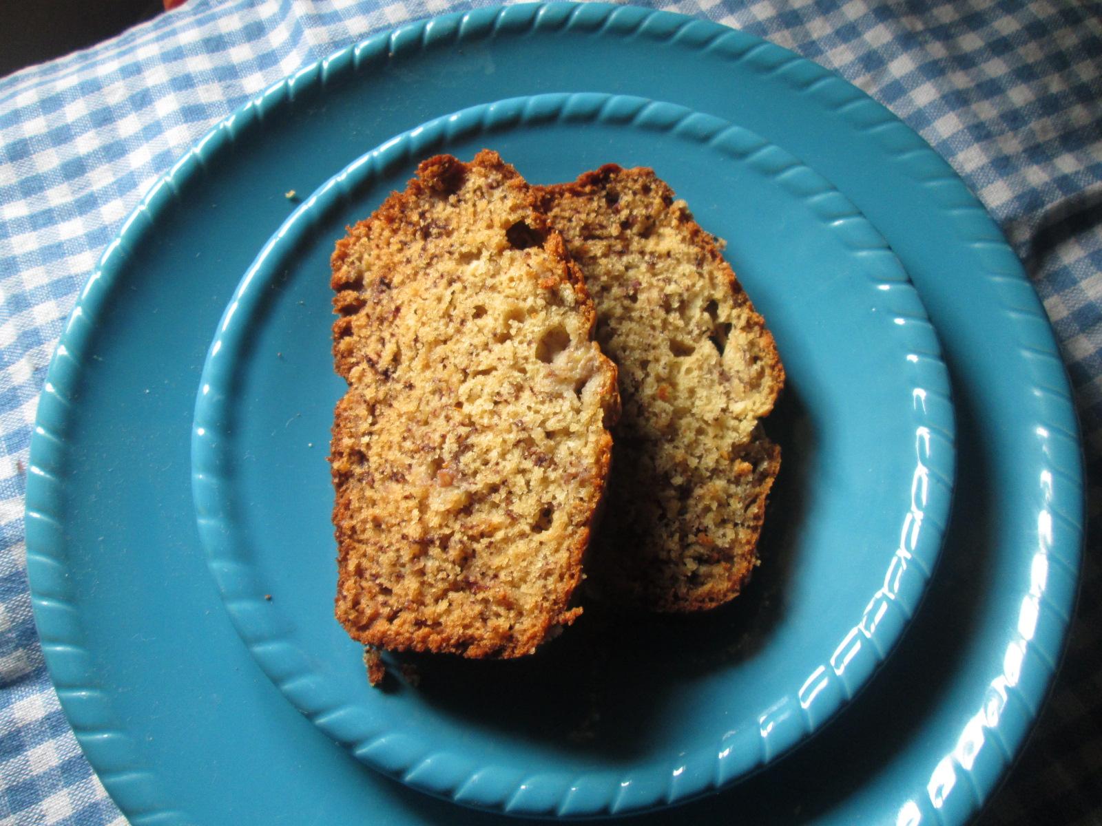 Canela kitchen (gloria): Classic Banana Cake (Cake de platano)