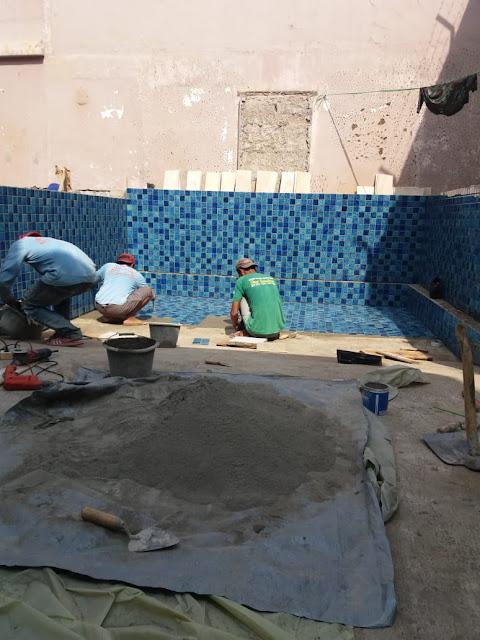 Pemasangan Keramik atau Mozaik