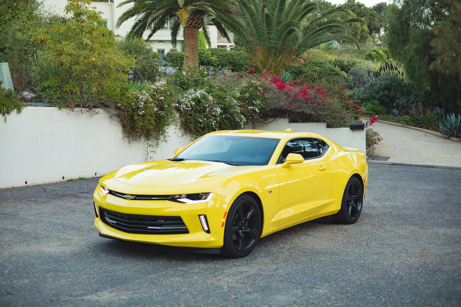chevrolet camaro outsells mustang for the first time in two years carscoops. Black Bedroom Furniture Sets. Home Design Ideas