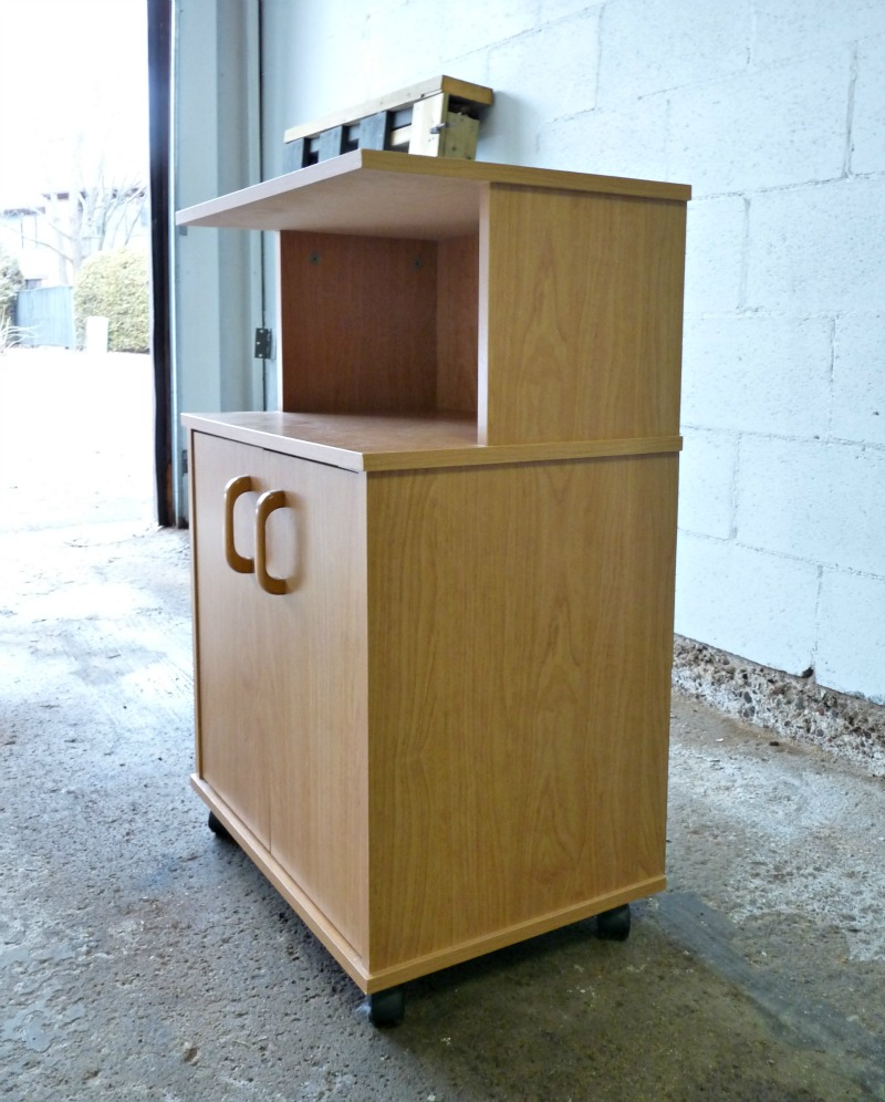 old microwave cart, cheap furniture