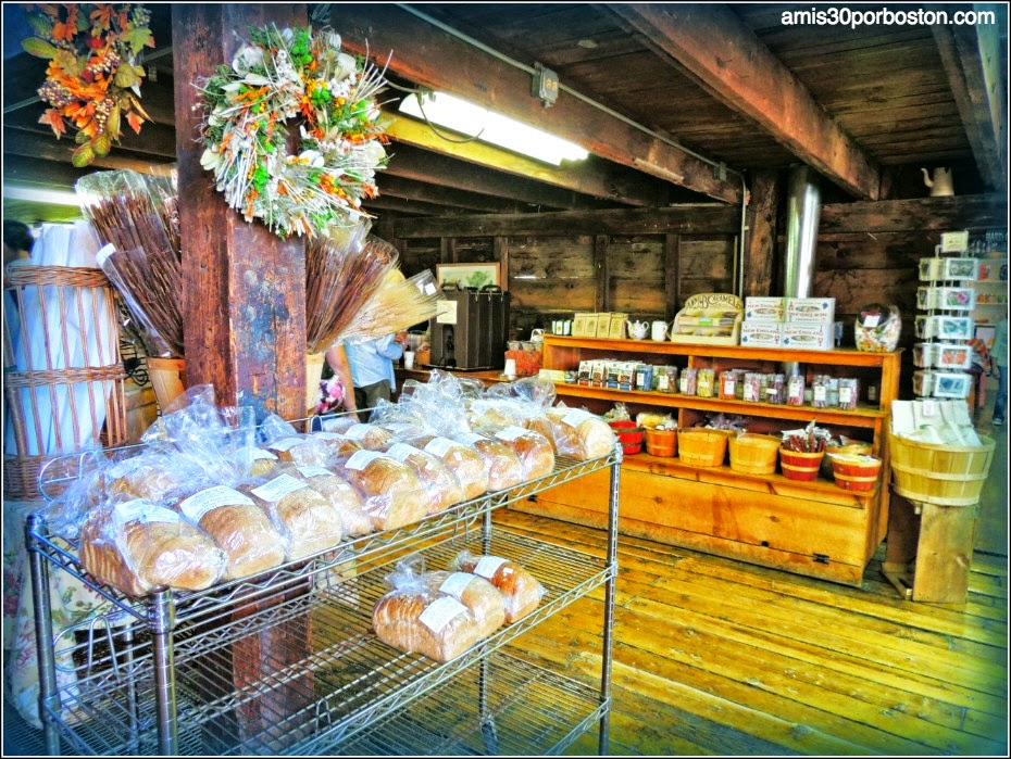 Granja de Ipswich: Russell Orchards Farm Store & Winery