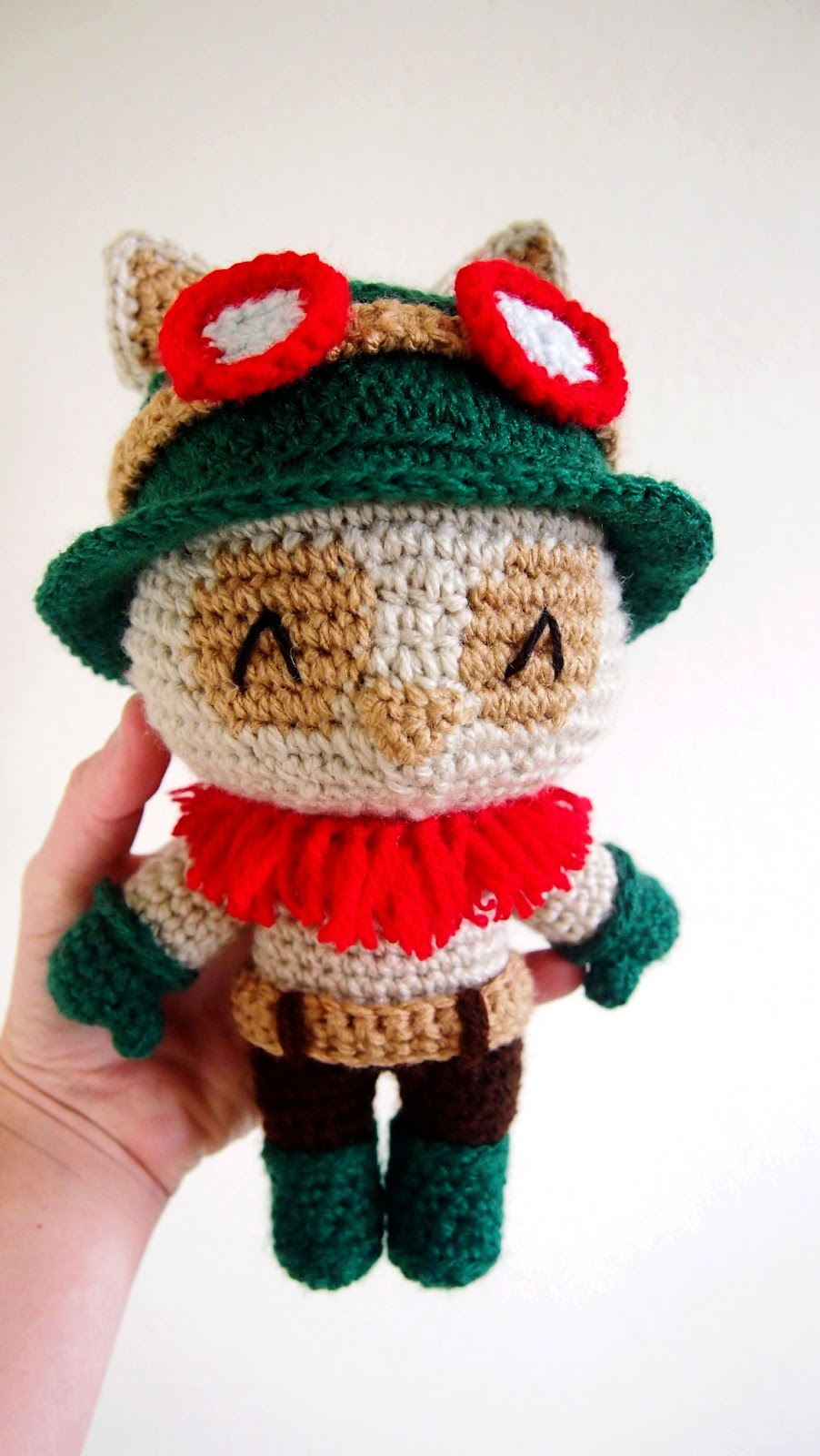 sol de noche deco crochet teemo of league of legends. Black Bedroom Furniture Sets. Home Design Ideas