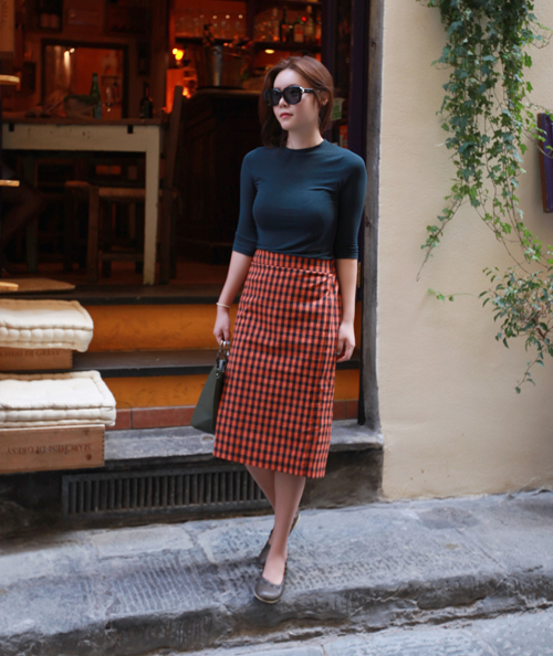High Semi-Garterized Waist Gingham Pencil Skirt