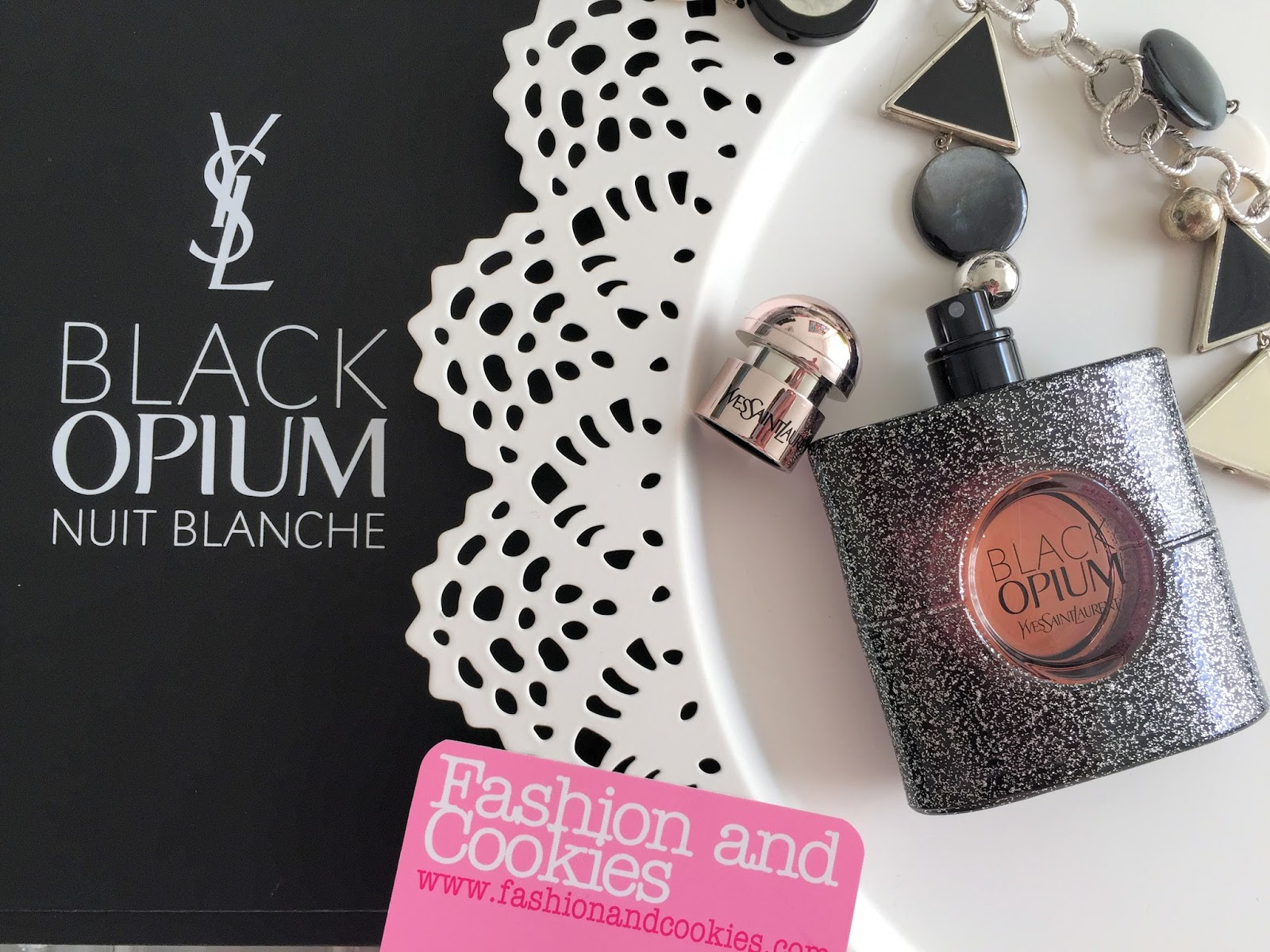 YSL Black Opium Nuit Blanche fragrance review and presentation on Fashion and Cookies fashion and beauty blog, beauty blogger