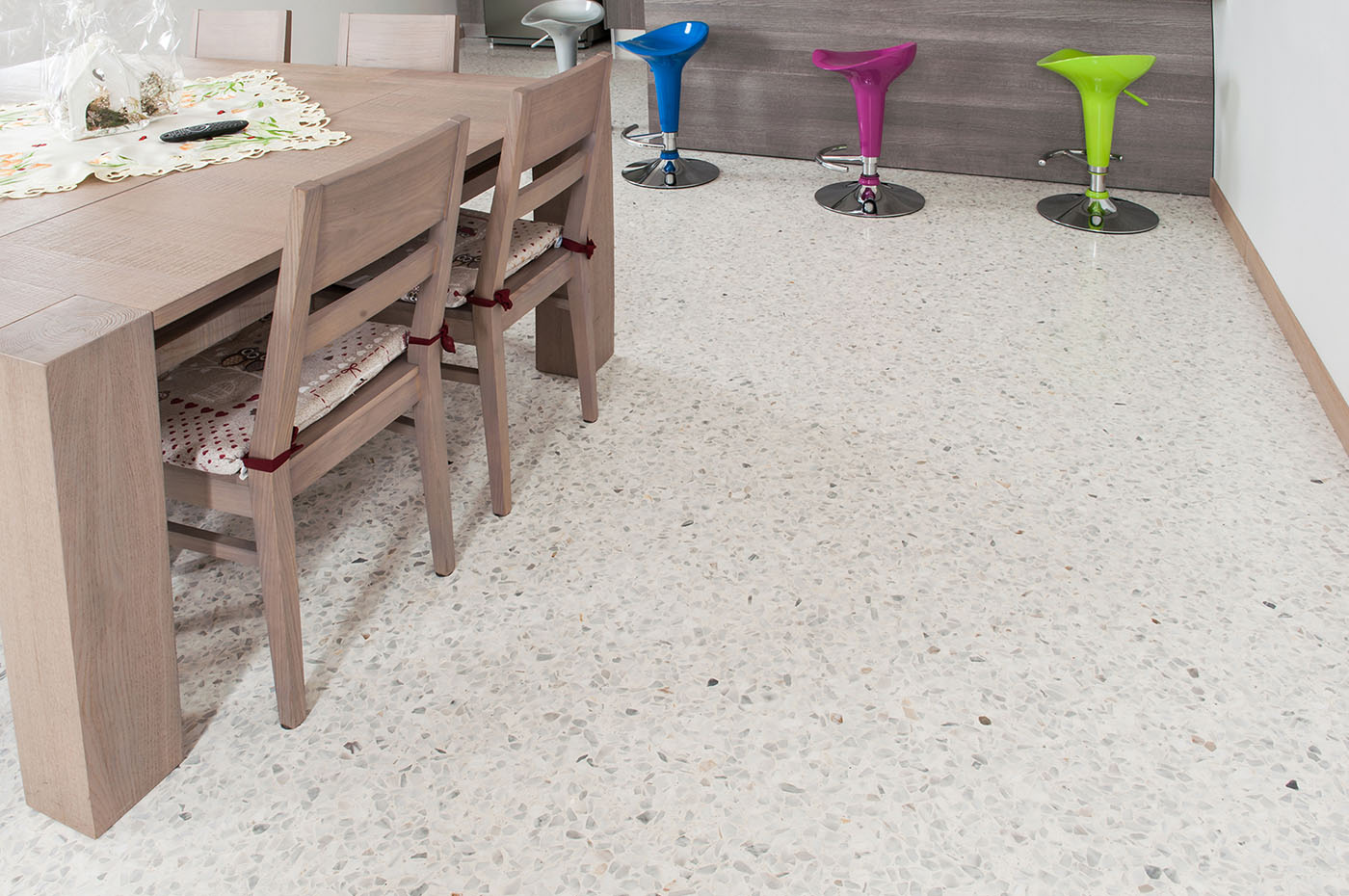 Pavimento Rosso Lucido : Pavimento rosso levanto: pavimento in marmo a quadrotte spazzolato