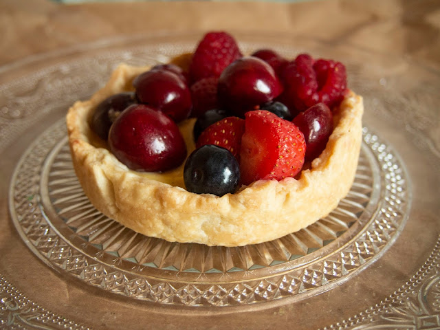 Tartaletas de crema y frutos rojos