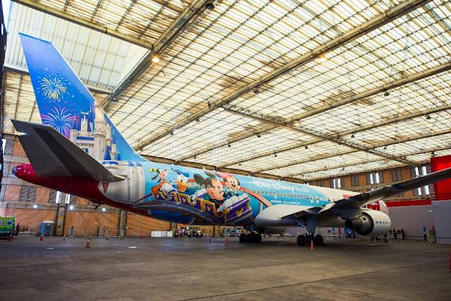 Avião da Tam da Disney