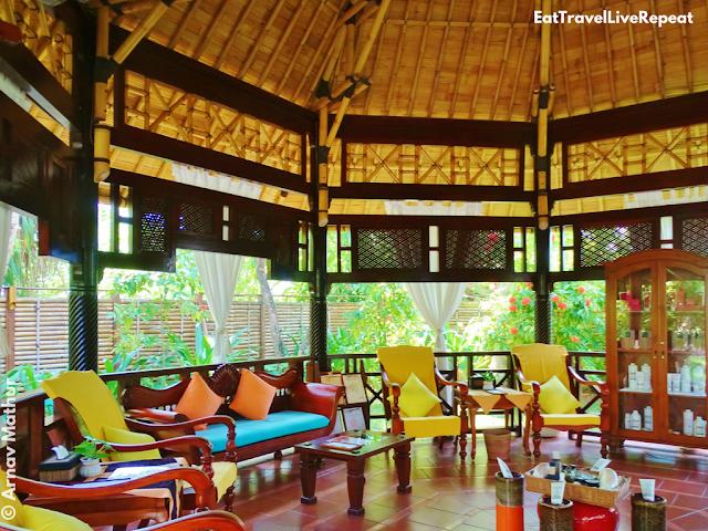 Araamu Spa Maldives relaxation lobby