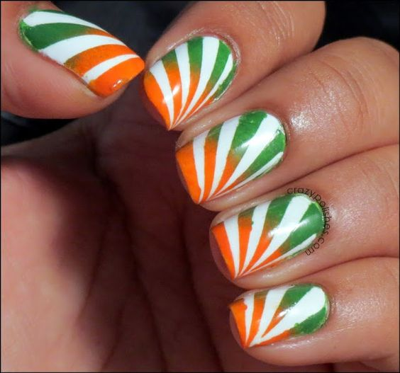 5 Striping Flag Inspired Nail Art