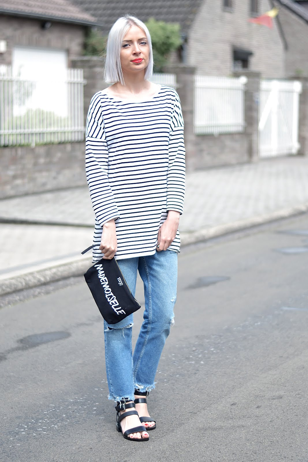 Belgian fashion blogger, zara stripe dress, mango fringe jeans, other stories sandals