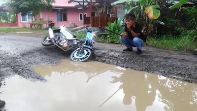 Jalan rusak di wilayah kabupaten cimias