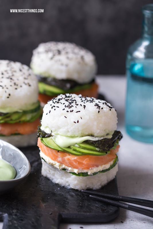 sushi burger ein rezept mit avocado und lachs nicest things bloglovin. Black Bedroom Furniture Sets. Home Design Ideas
